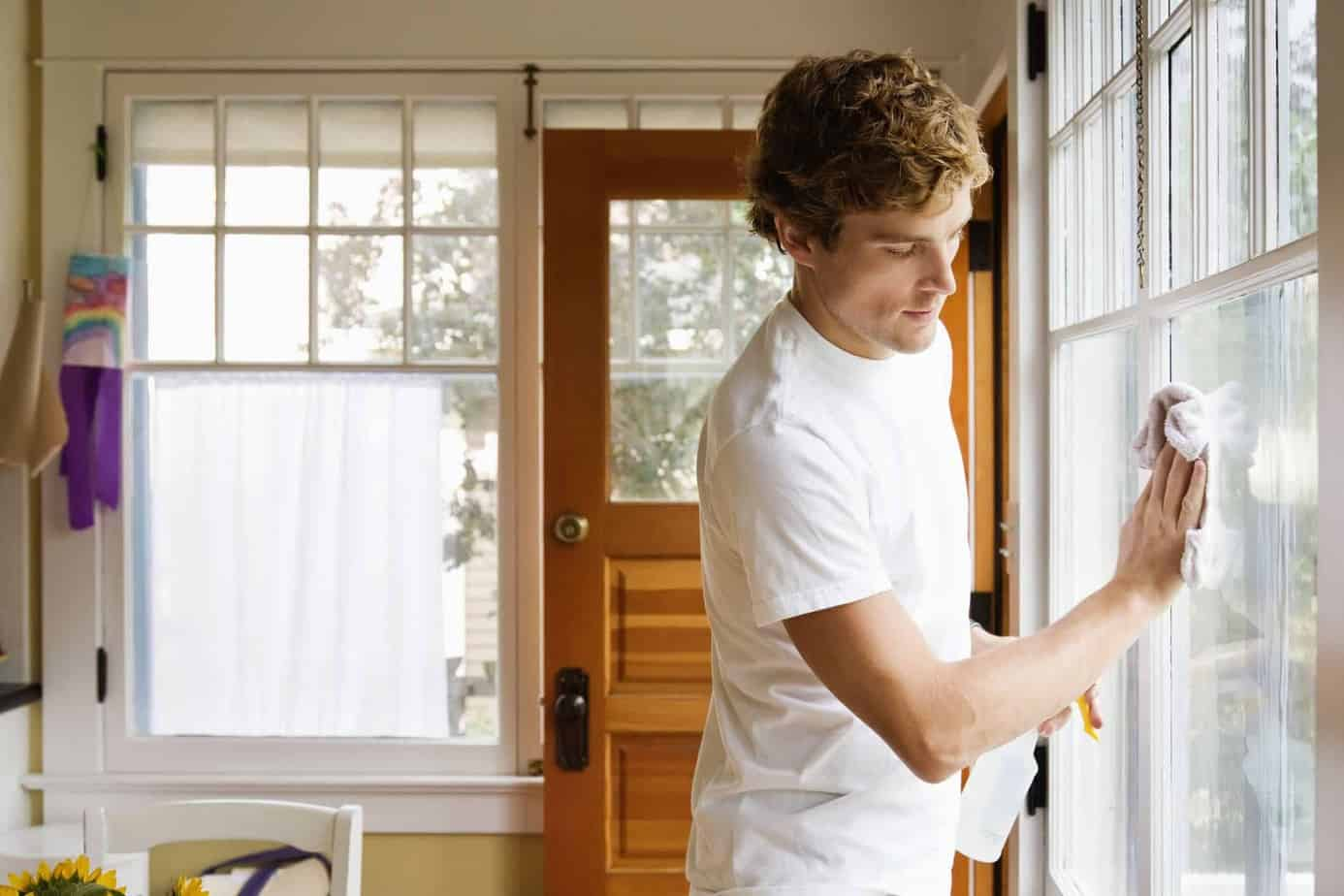 Make Your Windows Sparkling Clean Inside and Out