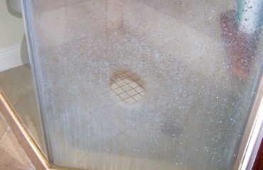 Shower Glass cleaning service